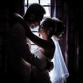 by Shawn Lee - Wedding Bride & Groom