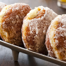 Vanilla Cream-Filled Doughnuts