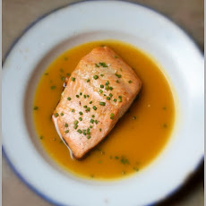 Pan-Roasted Salmon Fillets in Mango Juice