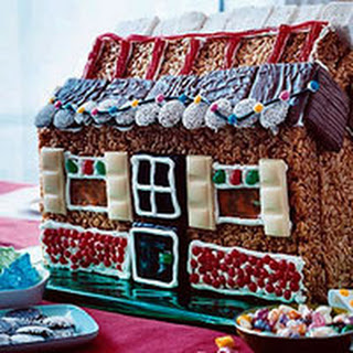 Marshmallow Treat Gingerbread House