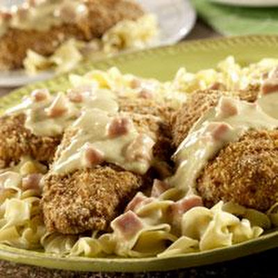 Crunchy Chicken with Ham Sauce