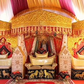 Custom aisle Minangkabau  by Bambang Setiawan - Wedding Other ( colorful, aisle, west sumatera, Urban, City, Lifestyle )