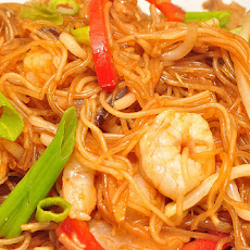 Shrimp With Rice Stick Noodles and Vegetables (Ww)
