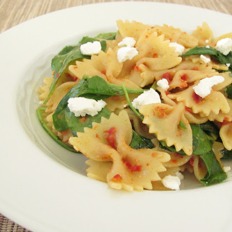 Sun-Dried Tomato, Arugula, and Goat Cheese Pasta