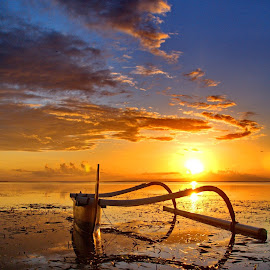 Jukung by Hendra Gunawan - Transportation Boats