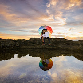 by Wisnu Taranninggrat - Wedding Other ( bali, prewedding, umbrella, nusa penida )