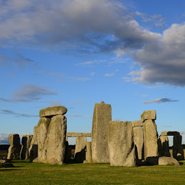 Stonehenge before sunset by Brigi Li - Buildings & Architecture Statues & Monuments
