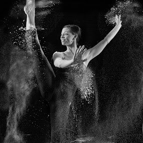 powder dancer  by Earl Wyant - People Portraits of Women