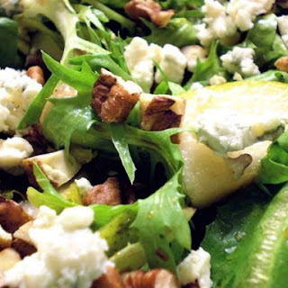Mixed Greens with Pears, Pecans, Blue Cheese, and Honey Balsamic Dressing