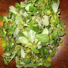 Purslane and Muscat Grape Salad