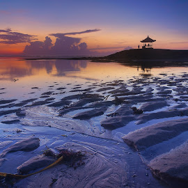 Holding on to sunrise by Wei Fuk Lie - Landscapes Beaches ( bali, blue, beach, sunrise, landscape )