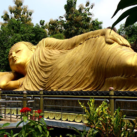 Sleeping Buddha by Andrew CLingax CLingux - Buildings & Architecture Statues & Monuments