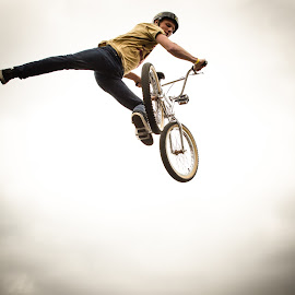 Sky High by Dan Field - Sports & Fitness Other Sports ( shoreditch, uk, bike, london, bmx, streetfest )