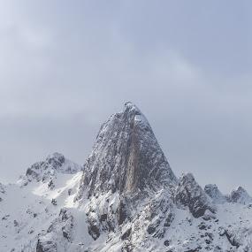 The mountain Reka by Benny Høynes - Landscapes Mountains & Hills ( sky, winter, mountain, reka, snow, rock, norway )