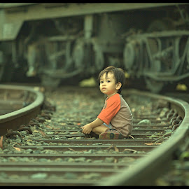 playing with thomson the train by Priyo Kliktography - Babies & Children Children Candids (  )
