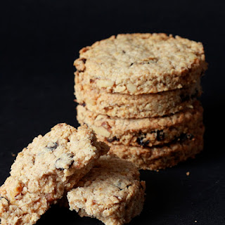 Raisin-nut English Oatcakes