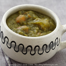 Thick and Hearty Split Pea Soup