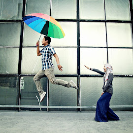 let me fly by Noor Helmie - People Street & Candids