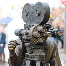 A step back in time by Steve Wieseler - Artistic Objects Other Objects ( bronze, sculpture, street art, street scene, old movie camera )