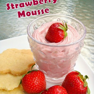 Fluffy Strawberry Mousse
