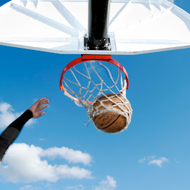 by Colin Anderson - Sports & Fitness Basketball