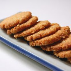 Chewy, Crumbly and Crunchy Anzac Biscuits