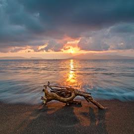Pinggiran Pantai by Chusnul Muchlis - Landscapes Sunsets & Sunrises