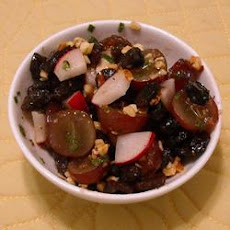 Balsamic Grape and Walnut Salad