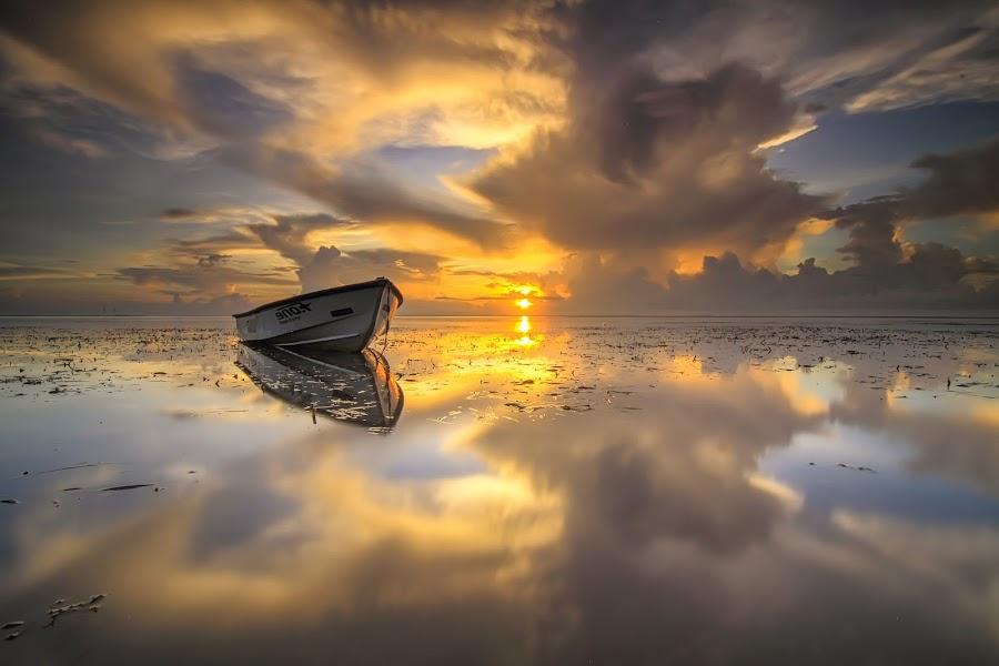 gold of sanur by I Made  Sukarnawan - Landscapes Sunsets & Sunrises ( bali, sunset, beach, sunrise, landscape, golden hour,  )