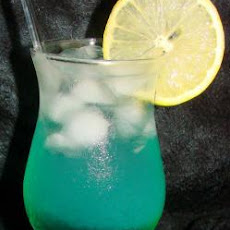 Enticing Azul Bebida (Cocktail)