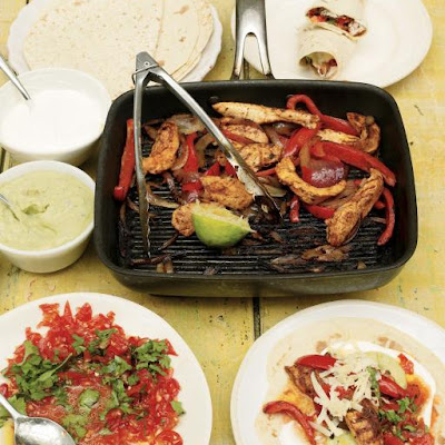 Chicken Fajitas With Homemade Guacamole & Salsa