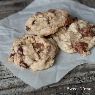 Coconutty Oatmeal Almond Joy Cookies