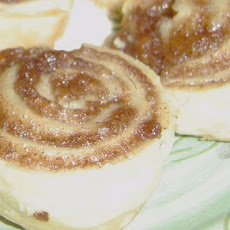 Grammie Bea's Old Fashioned Cinnamon Rolls