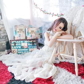Beauty in White by Steven Chu - People Fashion ( steven chu photoworks )