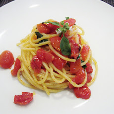Spaghetti With Tomatoes, Basil And Pecorino Romano