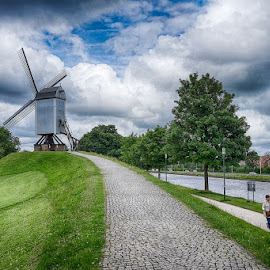 Bonne Chieremolen by CK Lam - City,  Street & Park  City Parks ( europe, kruisvest, bonne chiere mill, park, bonne chieremolen, historic town, bruges, belgium, brugge, windmill, city )
