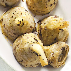 Carciofi alla Romana (Braised Artichoke Hearts with Mint)