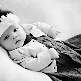Baby Portrait by Darya Morreale - Babies & Children Babies ( girl, baby, portrait, newborn, black&white,  )