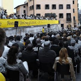 yellow angel at Pordenonelegge.it by Isabella Scotti - News & Events Entertainment