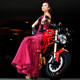 need a ride by Iwan S Wardana - People Fashion ( iwan s wardana )