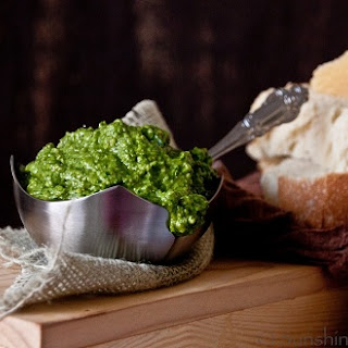 Spinach Pesto with Roasted Garlic