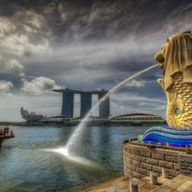 Merlion by Arul Aruleswaran - Buildings & Architecture Statues & Monuments