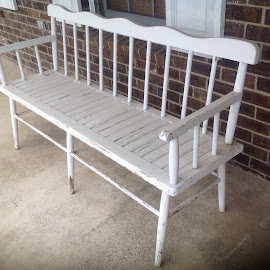 Old White bench by Terry Linton - Novices Only Objects & Still Life (  )