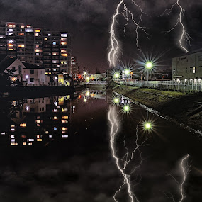 Shout of the heavens 2 by Hiro Ytwo - City,  Street & Park  Night ( reflection, lighting, buildings, night, city )
