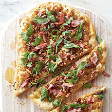Caramelized Onion, Prosciutto, and Arugula Pizza