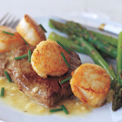 Seared Scallops and Tenderloin Steaks with Manhattan Sauce