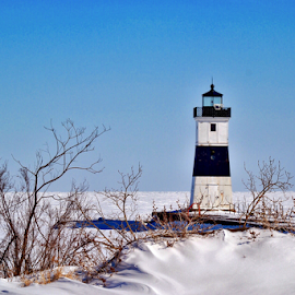 Lake Erie Lighthouse by Brock Willis - Landscapes Travel ( water, love, cool, nature, awesome, art, lighthouse, lake erie, frozen, like )
