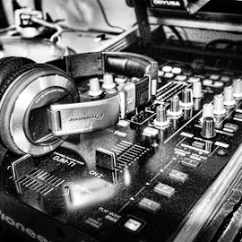 My Pioneer Mixer HDR by Frankie Acevedo - Artistic Objects Musical Instruments