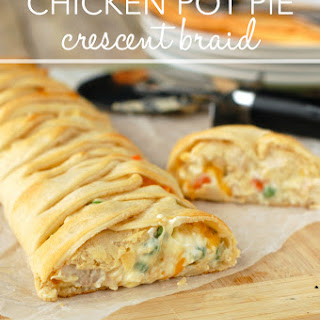 Chicken Pot Pie Crescent Braid