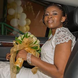 A Proud Bride by Nicholas Sykes - Wedding Bride (  )